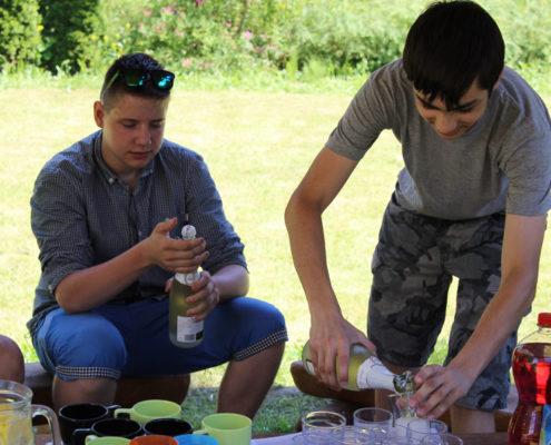 Garden party deváťáků