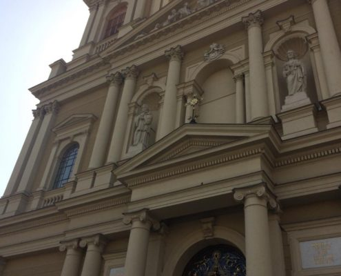 Putování za kostelem